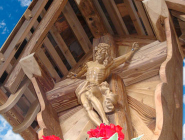 CRUCIFIXES AND MONUMENTS